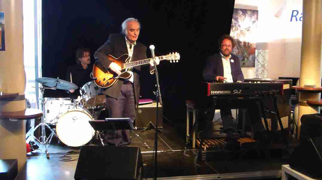 Dirk van der Linden Trio 26 april 2015-2