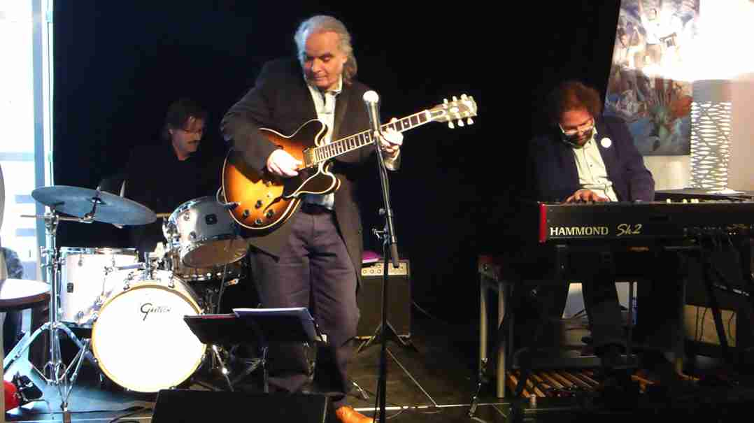 Dirk van der Linden Trio 26 april 2015-3
