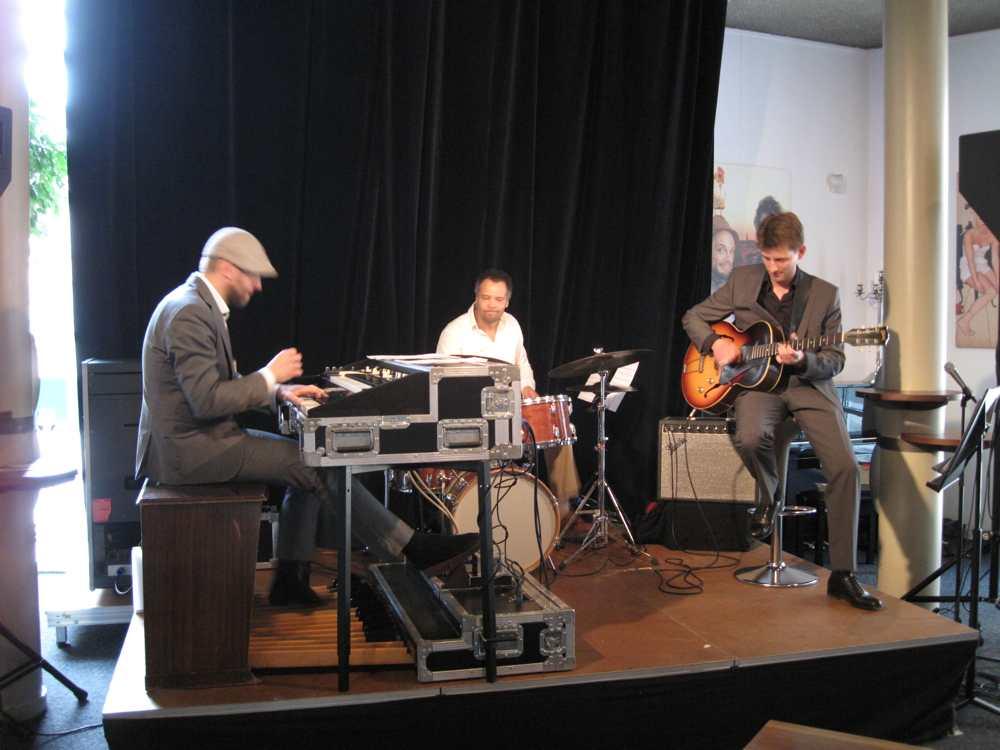 Suring_Trio_2011-16
