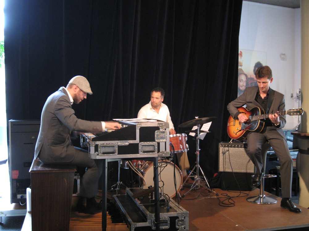 Suring_Trio_2011-17